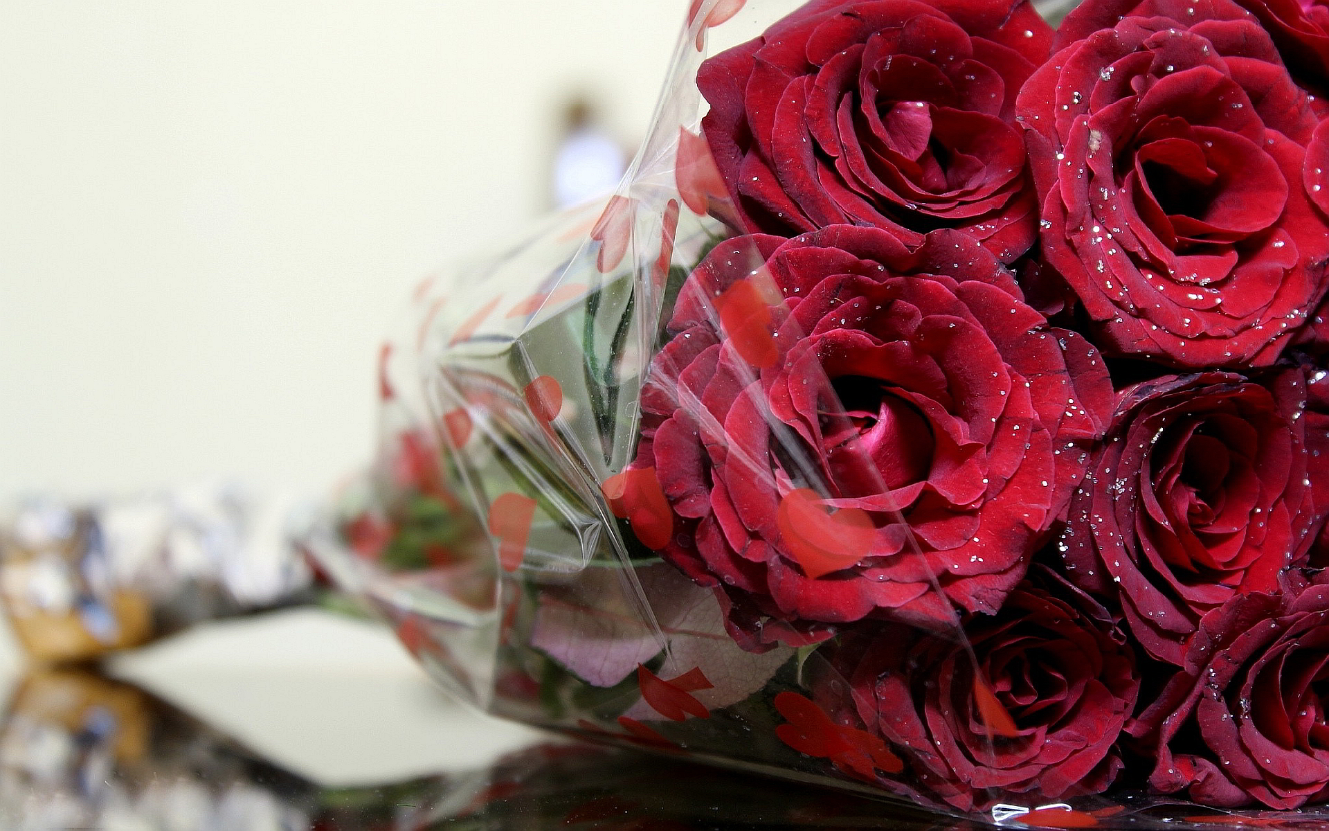 Love Picture, Romantic Wallpaper - Romantic Beautiful Bouquet Of Roses - HD Wallpaper