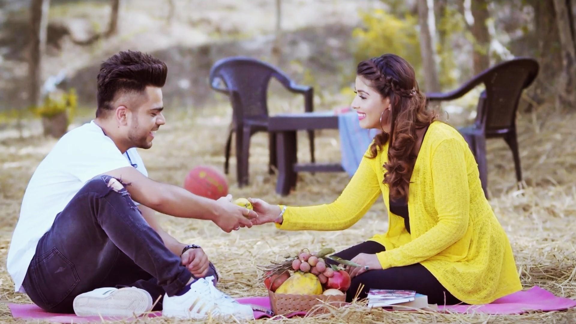New Punjabi Wallpaper Download Beautiful Punjabi Couple - Cute Baby Love Couples - HD Wallpaper