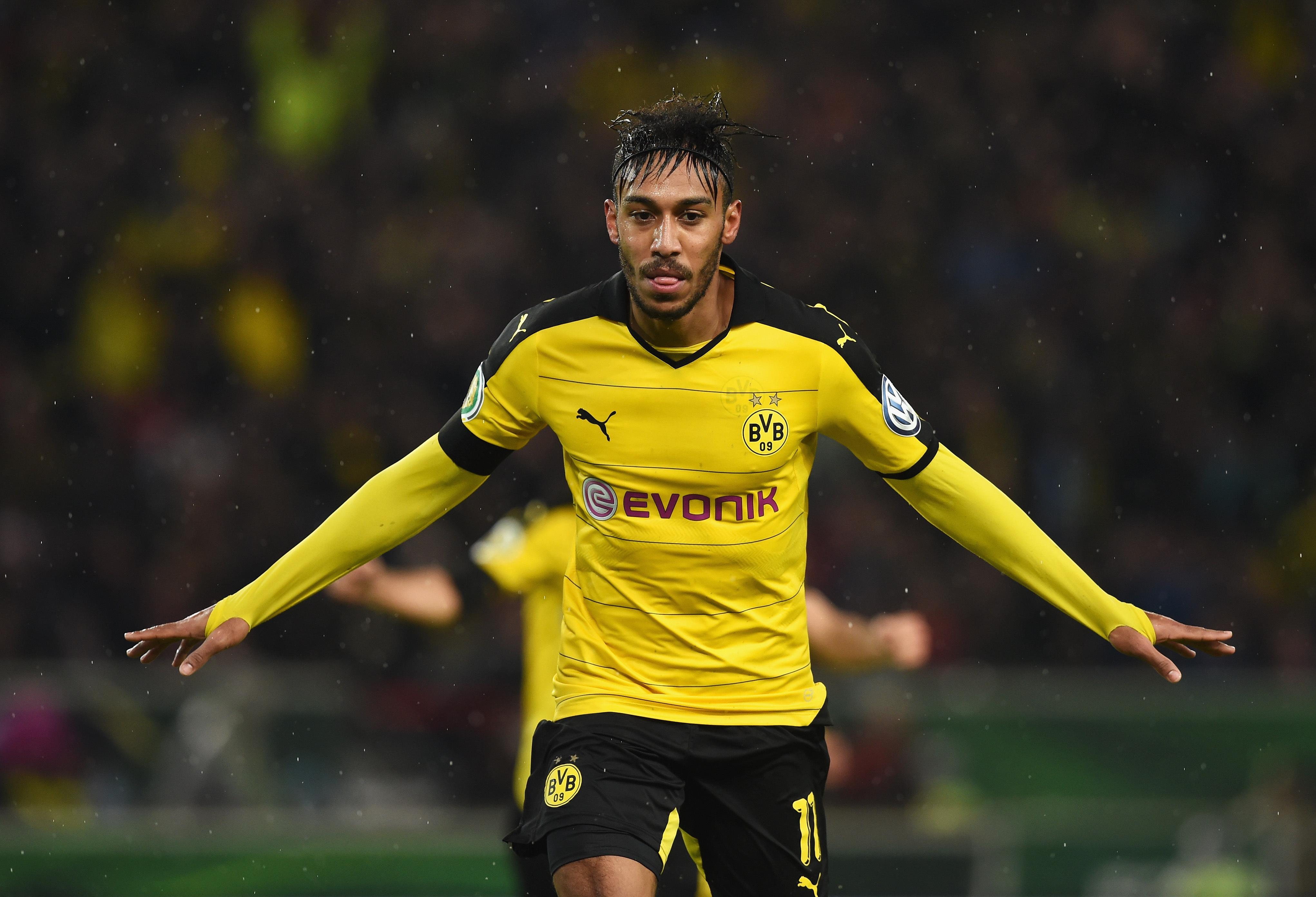Borussia Dortmund Wallpapers Football Player Number 24 4084x2784 Wallpaper Teahub Io