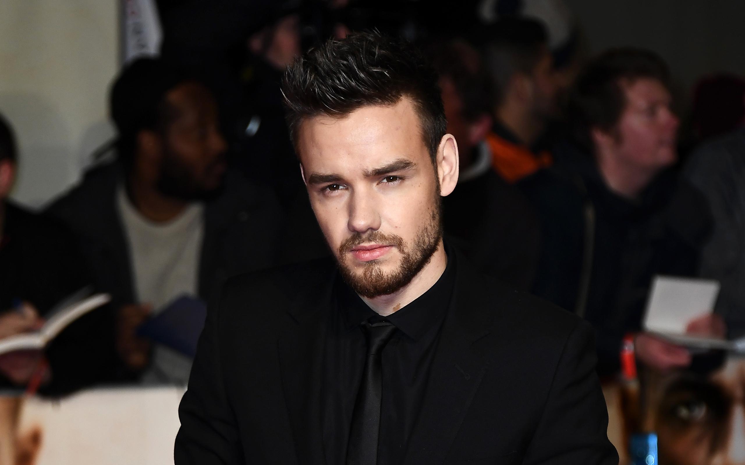 Liam Payne, Portrait, British Singer, Black Suit, Smile, - Liam Payne In A Suit - HD Wallpaper