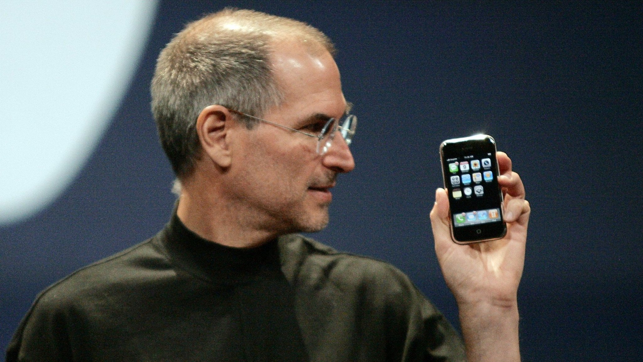 Steve Jobs Iphone 3 - HD Wallpaper