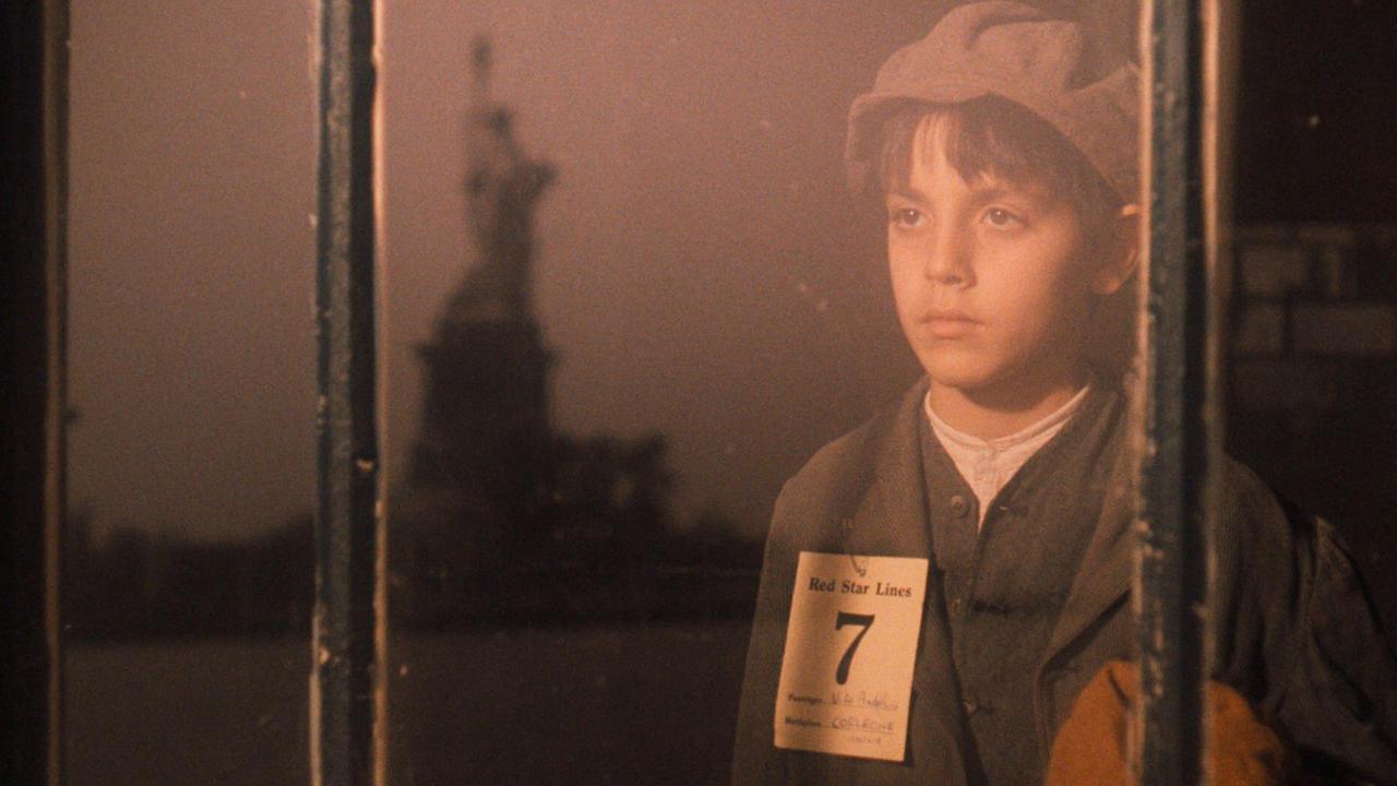 Part Ii Hd Wallpapers, Desktop Wallpaper - Vito Corleone Arrives In America - HD Wallpaper