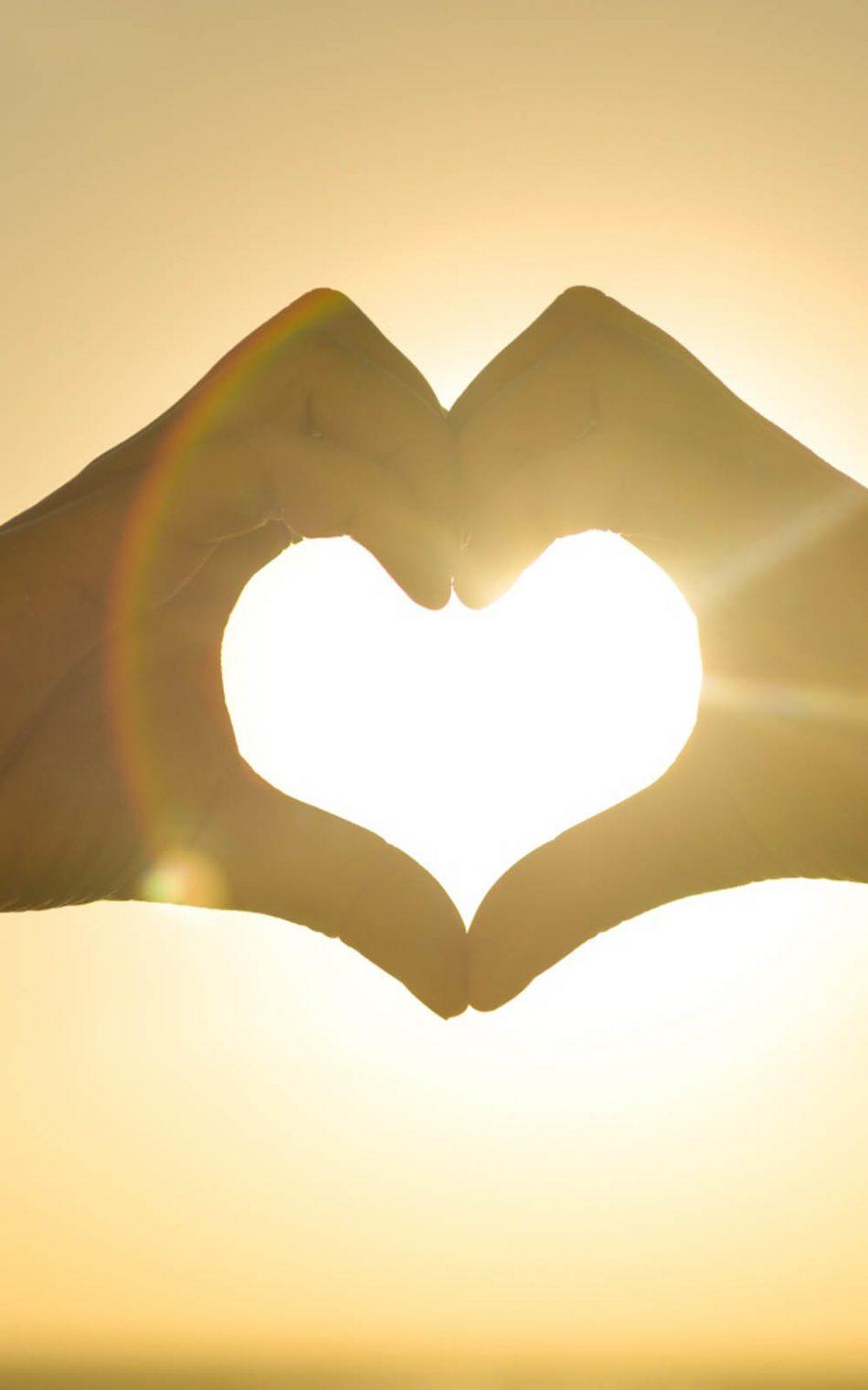 Hands Heart Sun Hd Mobile Wallpaper - Love Picture Light Background - HD Wallpaper