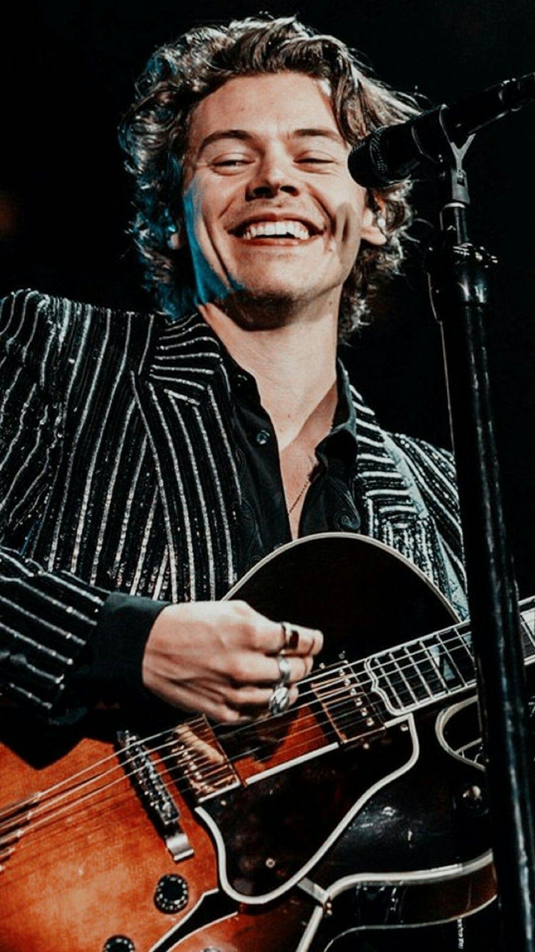 Harry Styles - HD Wallpaper