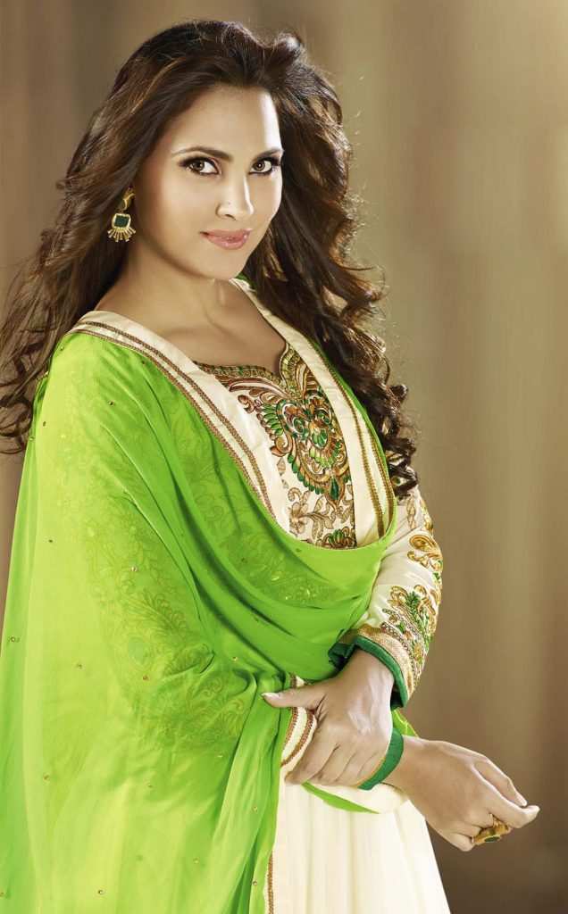Indian Ladies Dress Group - HD Wallpaper