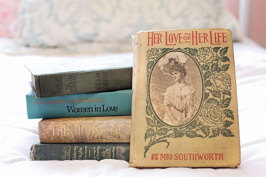 Stack Of Books, Vintage Books, Women S Novels, Reading, - HD Wallpaper