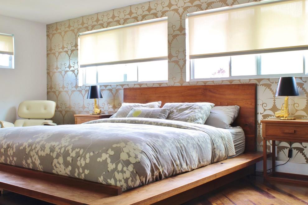 Beautiful Nicole Miller Bedding In Bedroom Midcentury - Mid Century Bedroom Window - HD Wallpaper