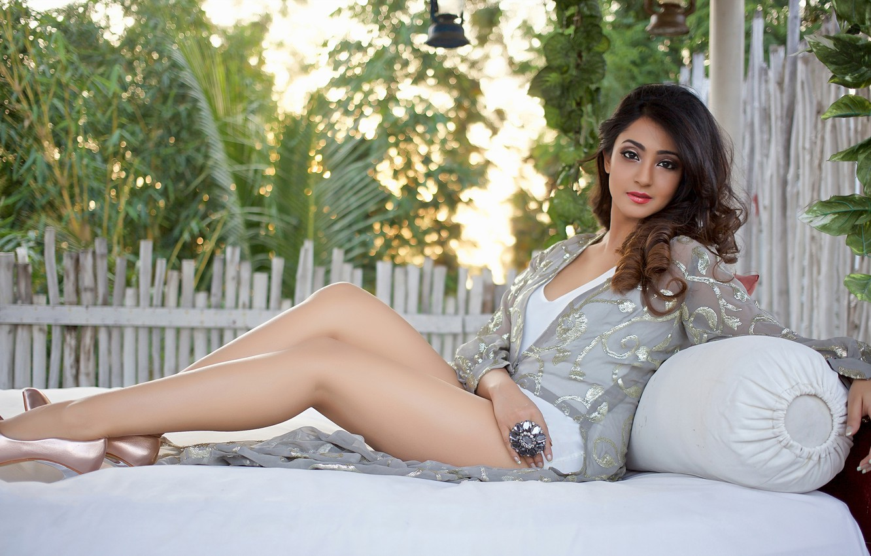 Photo Wallpaper Girl, Hot, Sexy, Eyes, Smile, Beautiful, - Beautiful Ladies With Beautiful Legs - HD Wallpaper