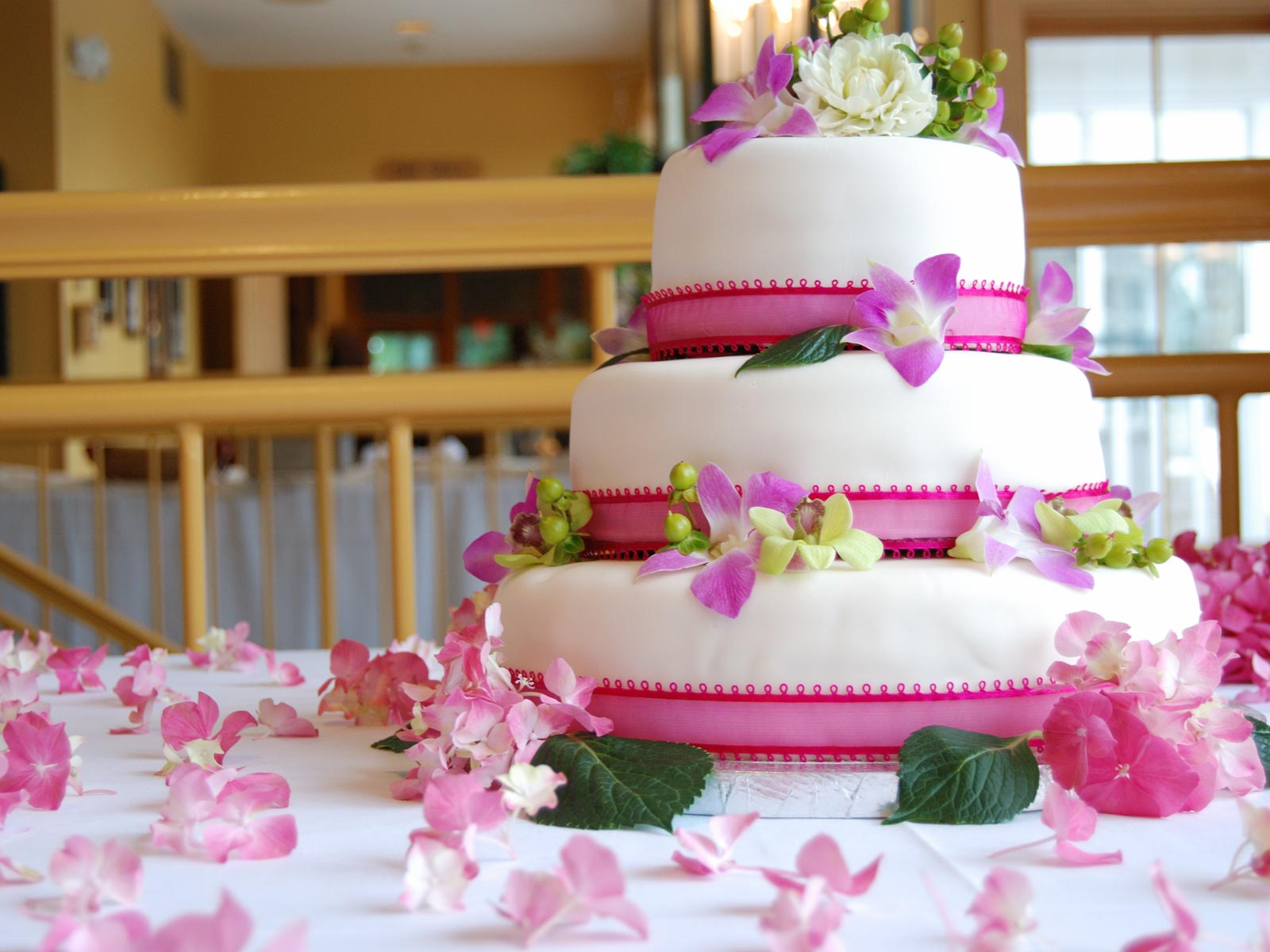 Birthday Cake And Wishes Wallpaper Download Best Birthday Best Cake Images Hd 1600x1200 Wallpaper Teahub Io