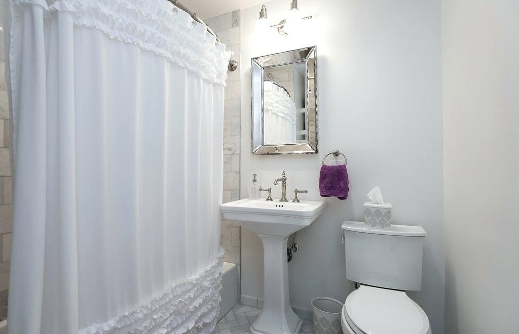 Kids Bathroom Wallpaper Great Kitchen Designs Modern - Bathroom - HD Wallpaper