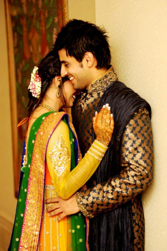 Indian Wedding Couple Wallpaper Photoshoot Poses For Couples Wedding 639x960 Wallpaper Teahub Io