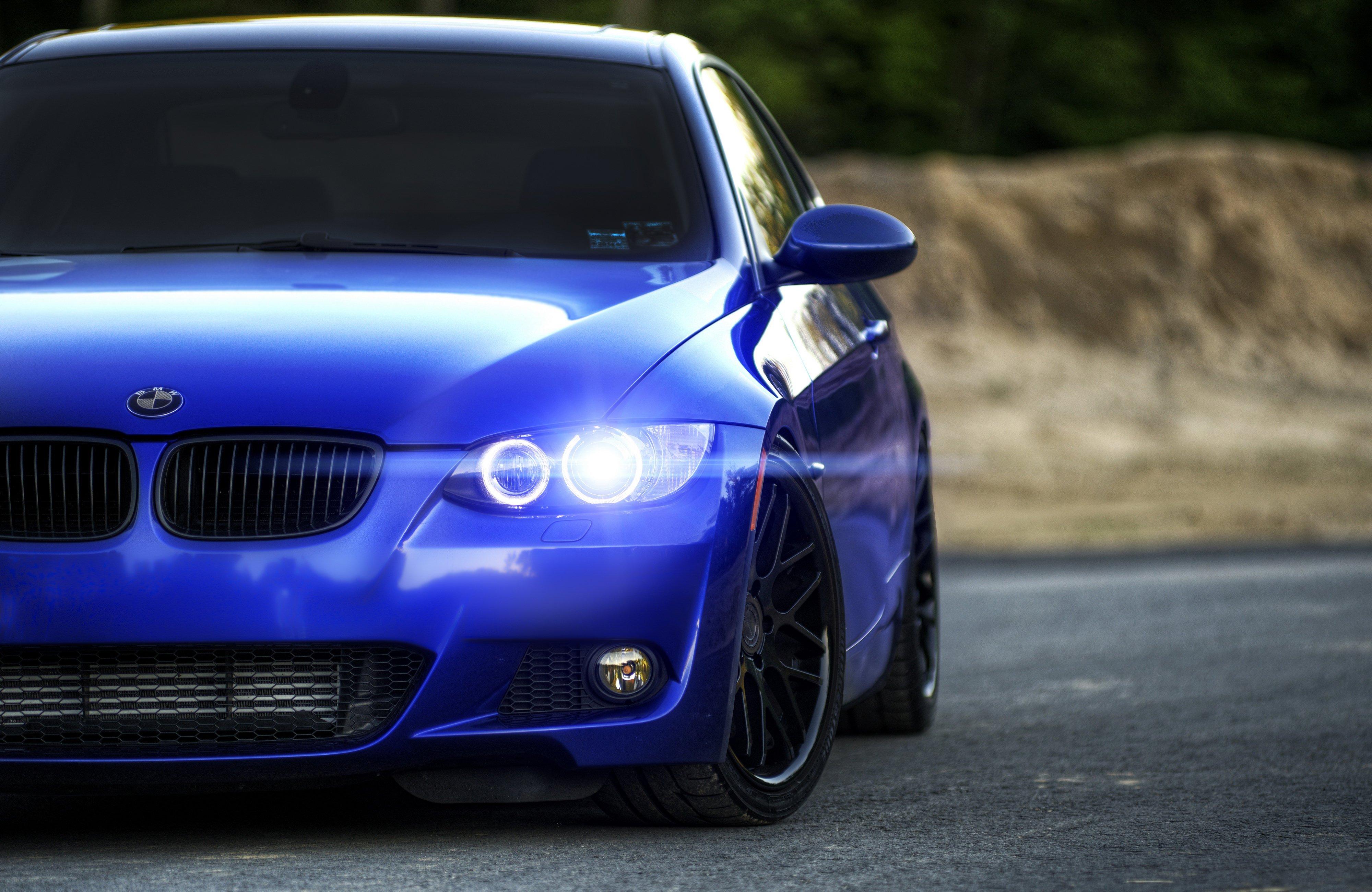 1920x1200 Car Bmw Rims Blurred Blue Cars Wallpapers Blur Background With Car 1920x1200 Wallpaper Teahub Io
