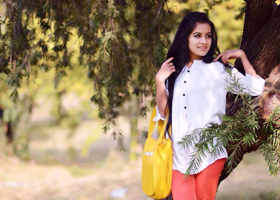 Punjabi Girl Wallpaper Normal Girl Image Downloading 960x686 Wallpaper Teahub Io