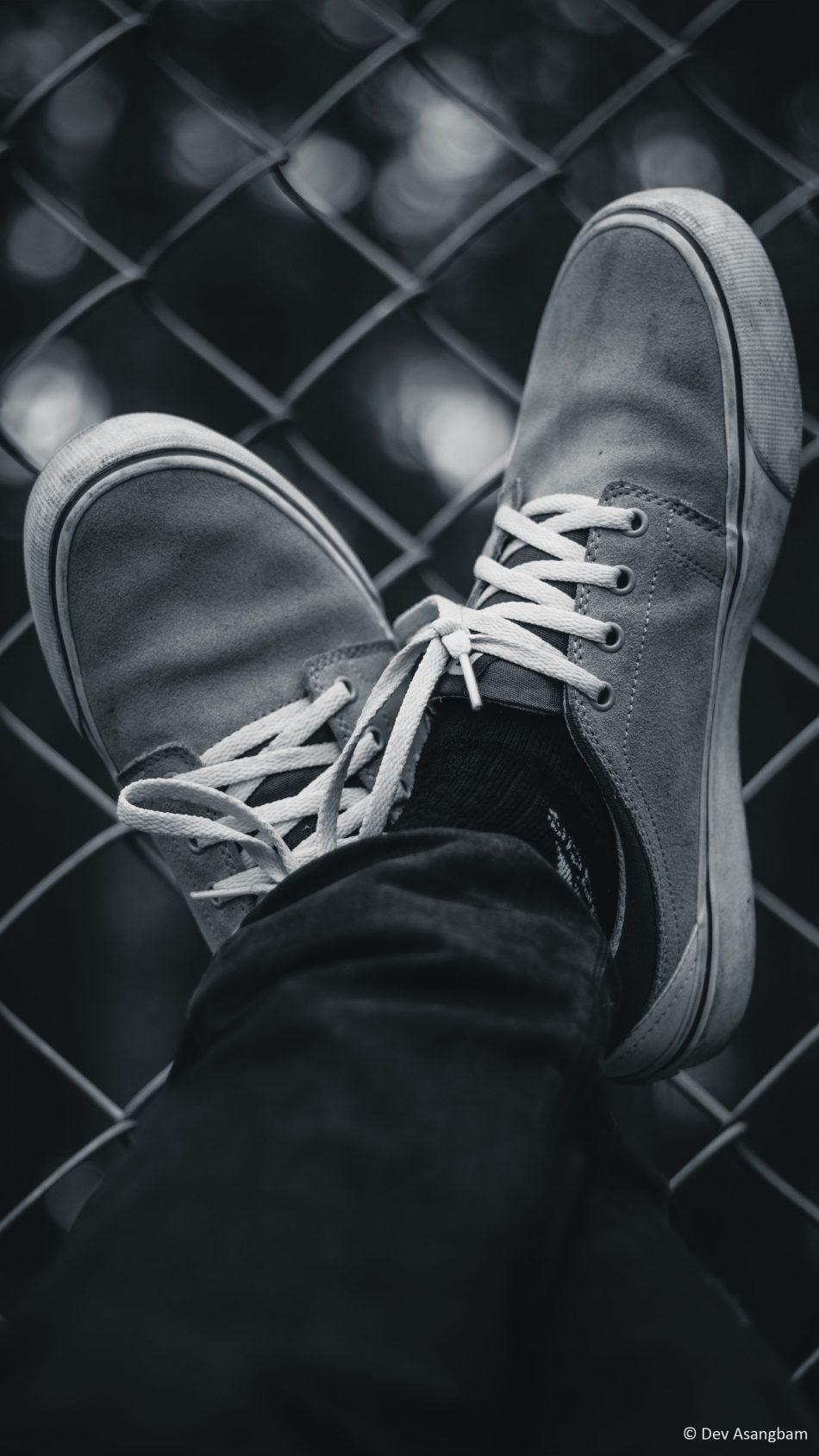 Sneakers Black White Photography 4k Ultra Hd Mobile Black And White Wallpaper 4k 950x1689 Wallpaper Teahub Io