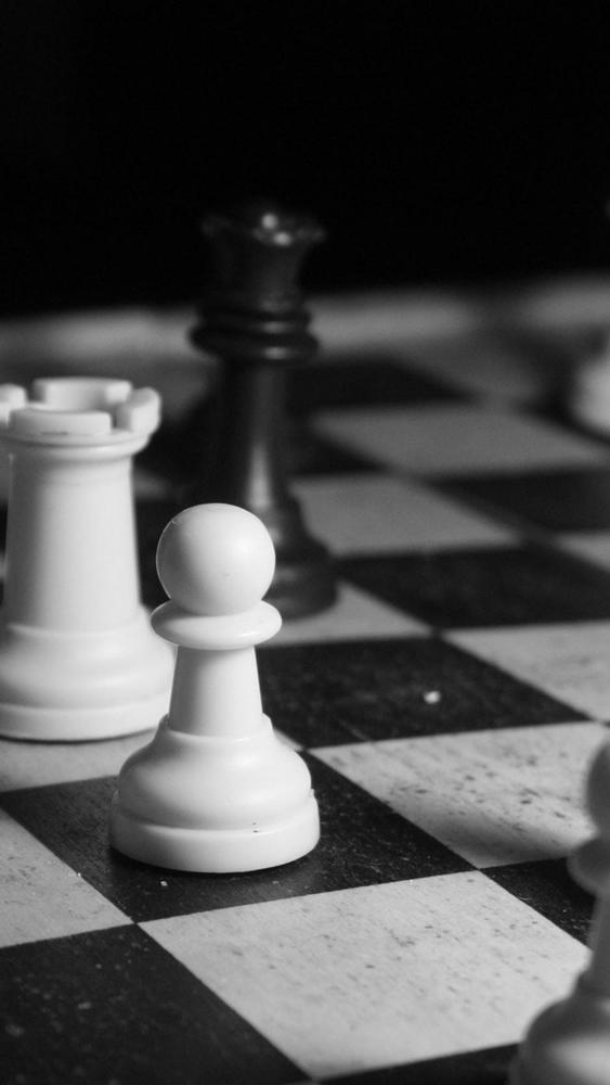 Main Catur, Yuk - Chess Black And White Colour - 563x1000 Wallpaper -  Teahub.io