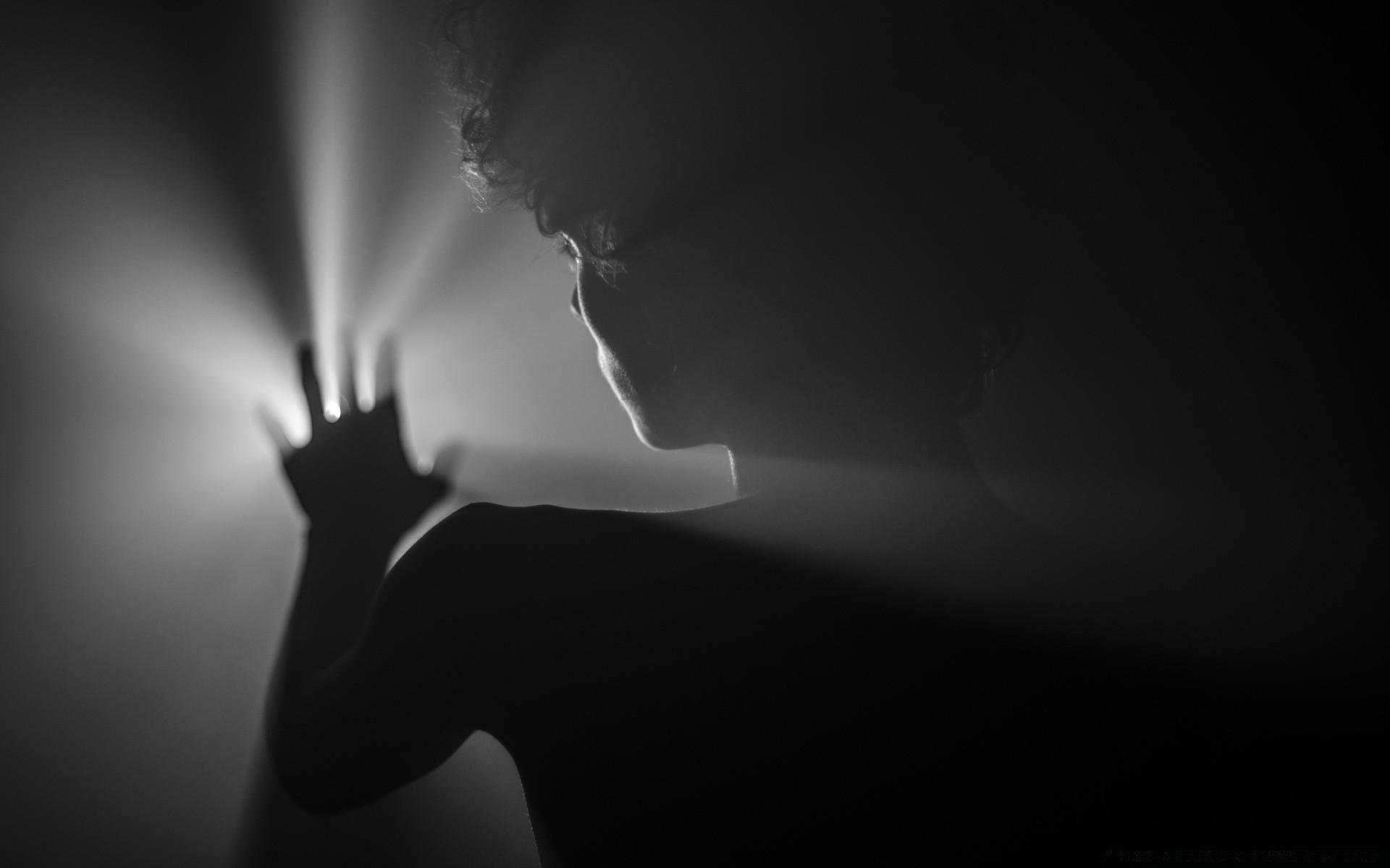 Black And White Monochrome Art Silhouette Dark Concert - Light Of Darkness - HD Wallpaper