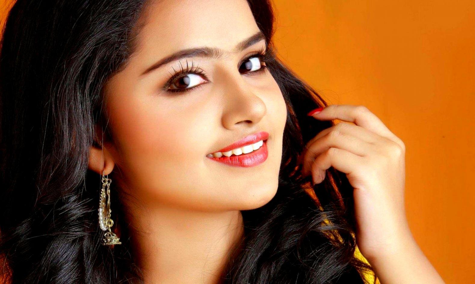 tamil actress wallpapers wallpaper cave anupama parameswaran 1579x945 wallpaper teahub io teahub io