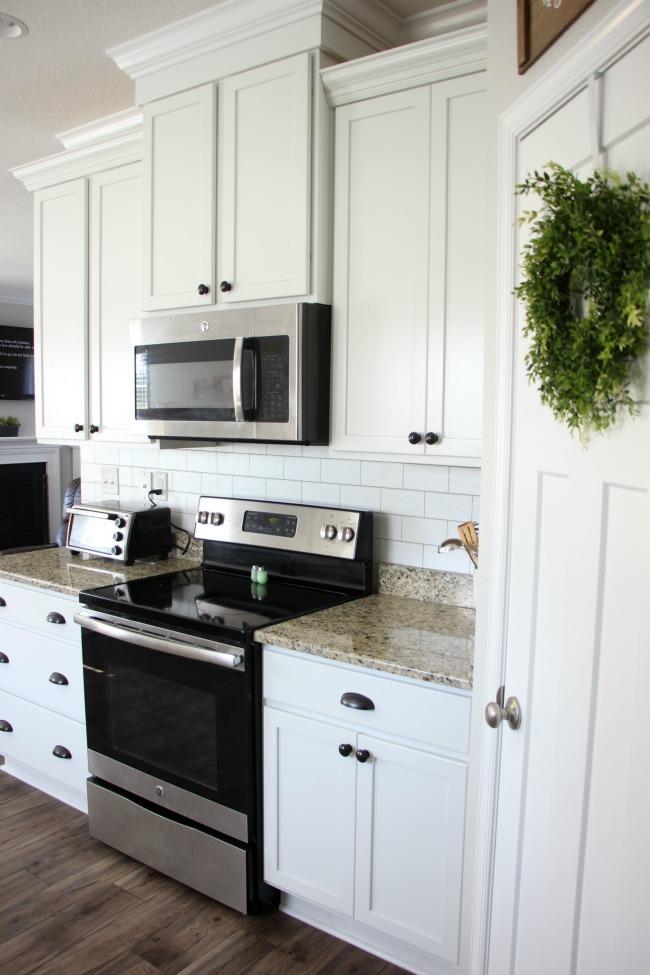 Transform Your Kitchen With A $35 Subway Tile Backsplash - Peel And Stick Wallpaper Kitchen Backsplash - HD Wallpaper