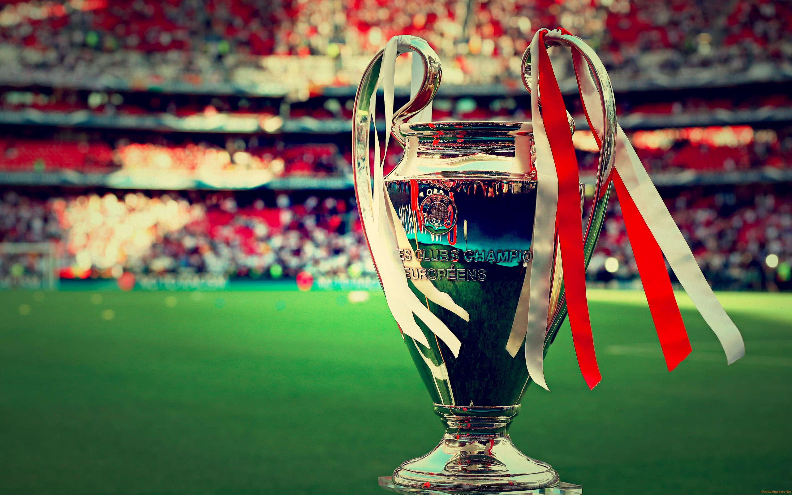 champions league trophy wallpaper 4k 2560x1600 wallpaper teahub io champions league trophy wallpaper 4k