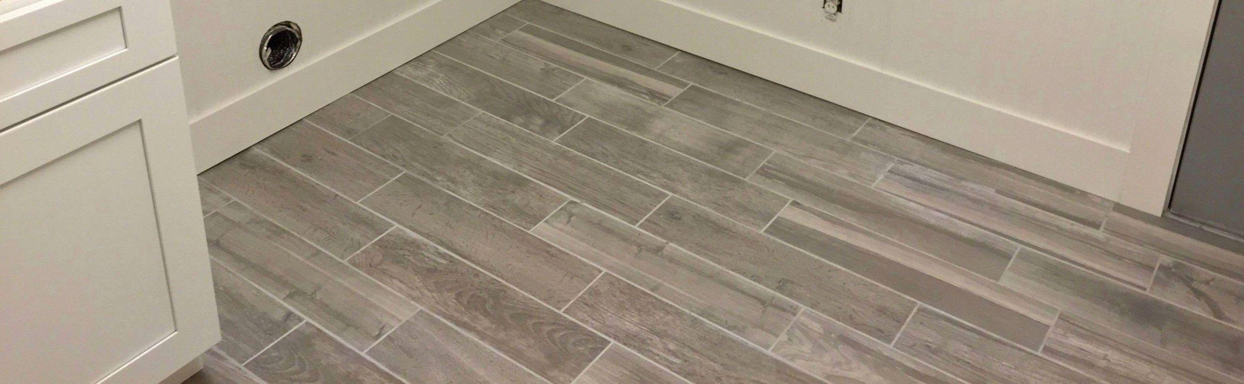Wood Look Tile Flooring Ideas For Small Bathroom 2560x791 Wallpaper Teahub Io
