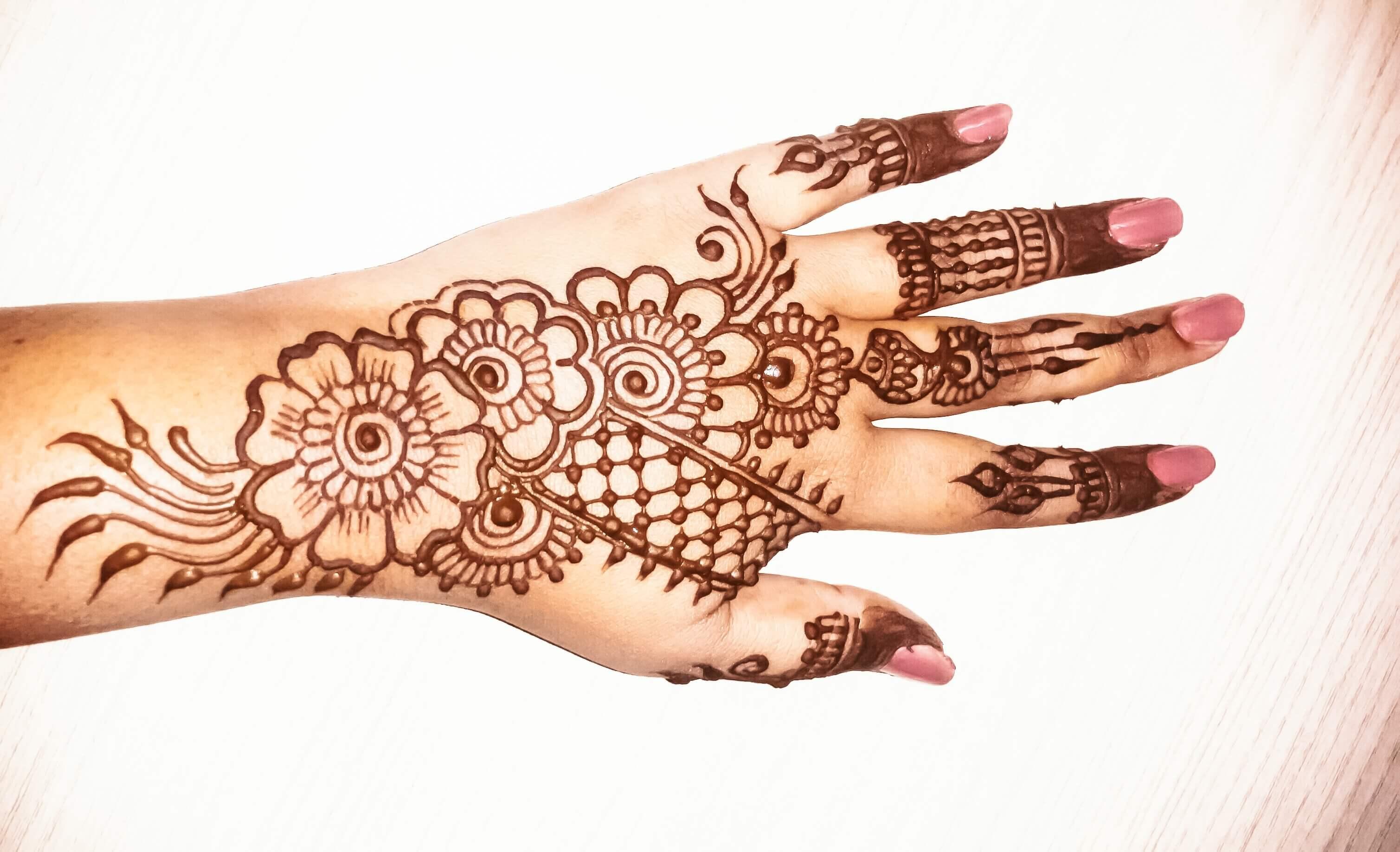 front hand simple mehndi design back side