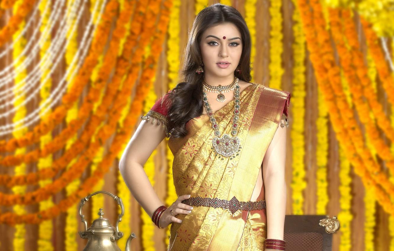 Photo Wallpaper Decoration, Necklace, Indian Actress, - Chennai Silk Wedding Sarees Collections - HD Wallpaper
