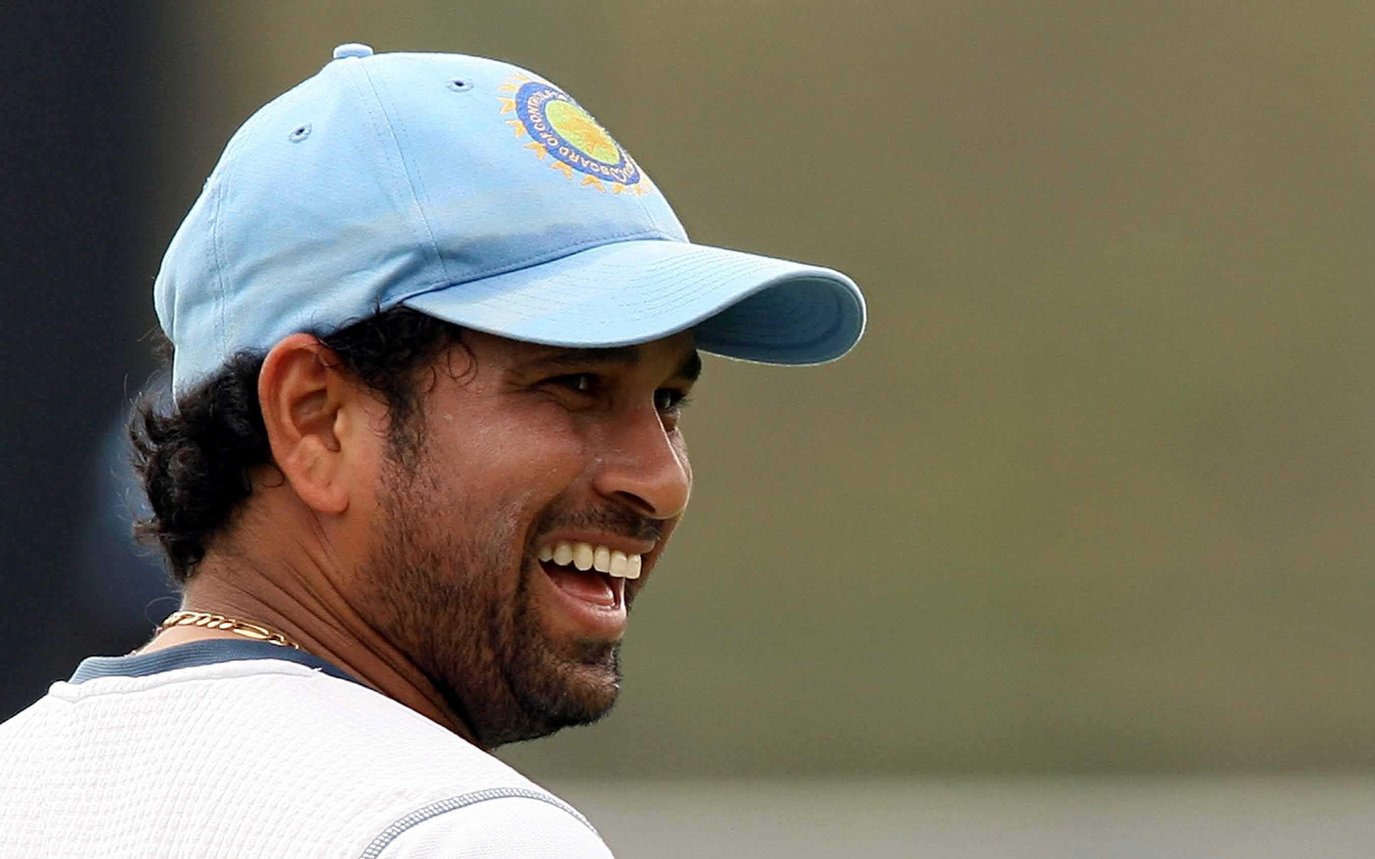 Sachin Tendulkar Smile Cricket Wallpaper - Sachin Tendulkars Hd Full Face - HD Wallpaper