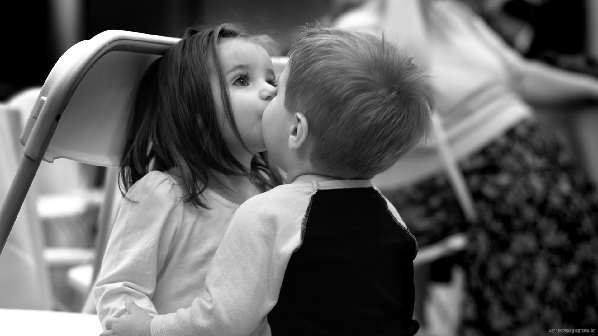 Romantic Kids Girl Boy Kiss Wallpaper   Data Src Gorgerous - Kiss Wallpaper Download Free - HD Wallpaper