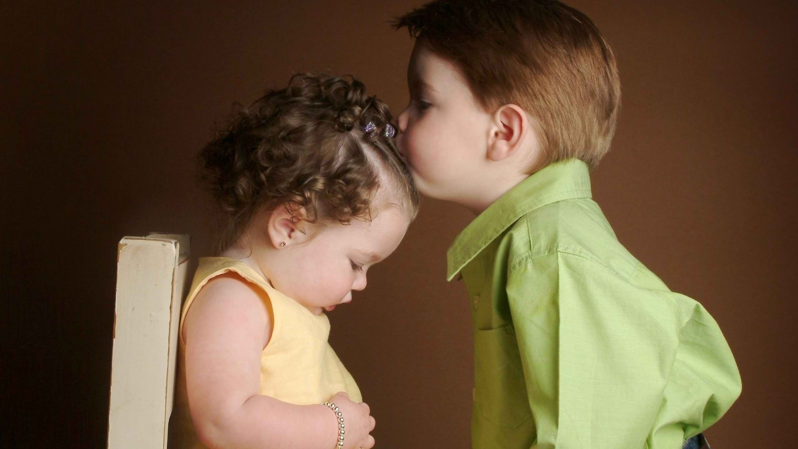 Cute Baby Love Couple Wallpaper Cute Baby Couple In Brother And Sister Images Hd 2560x1440 Wallpaper Teahub Io