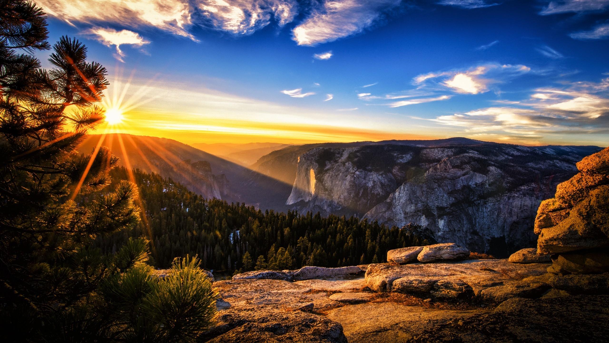 Bright Sunshine Landscape For Hdtv Resolution Mountain Sunset Background 2560x1440 Wallpaper Teahub Io