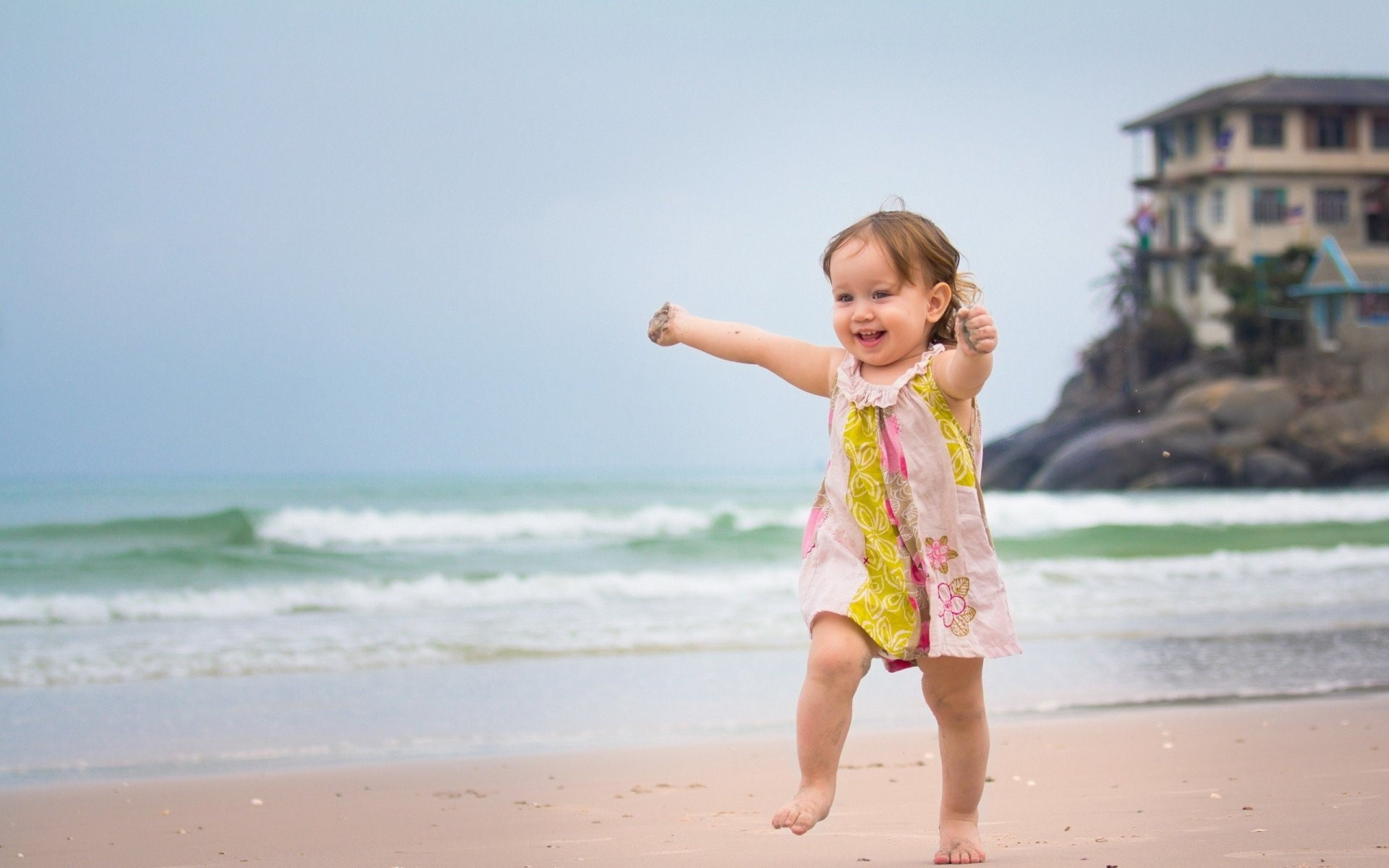 Cute Baby Girl Wallpapers Free Download Hd Beautiful - Cute Happy Girl Quotes - HD Wallpaper