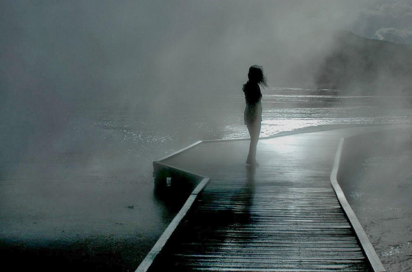 Beautiful Alone Girl Wallpapers - Broken Heart Lonely Broken Heart Sad Girls - HD Wallpaper