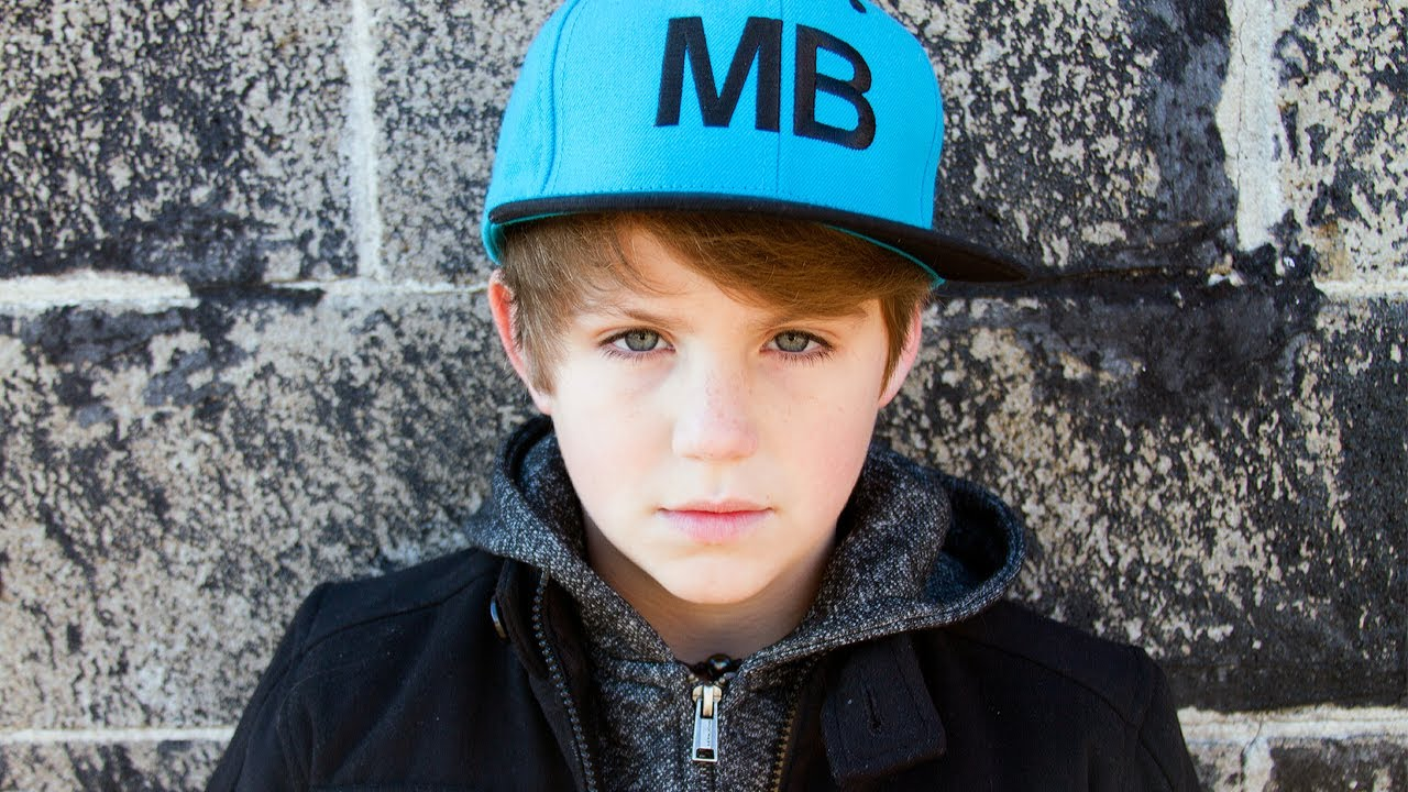 Mattyb Turned Out The Lights - HD Wallpaper