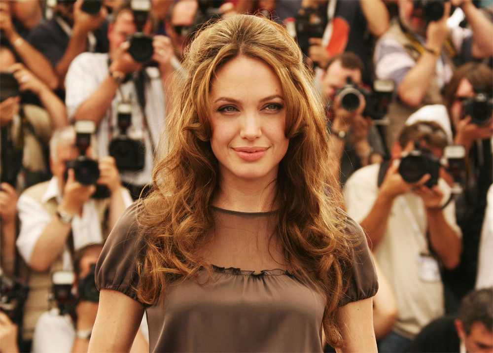 Angelina Jolie 2011 Hot - HD Wallpaper