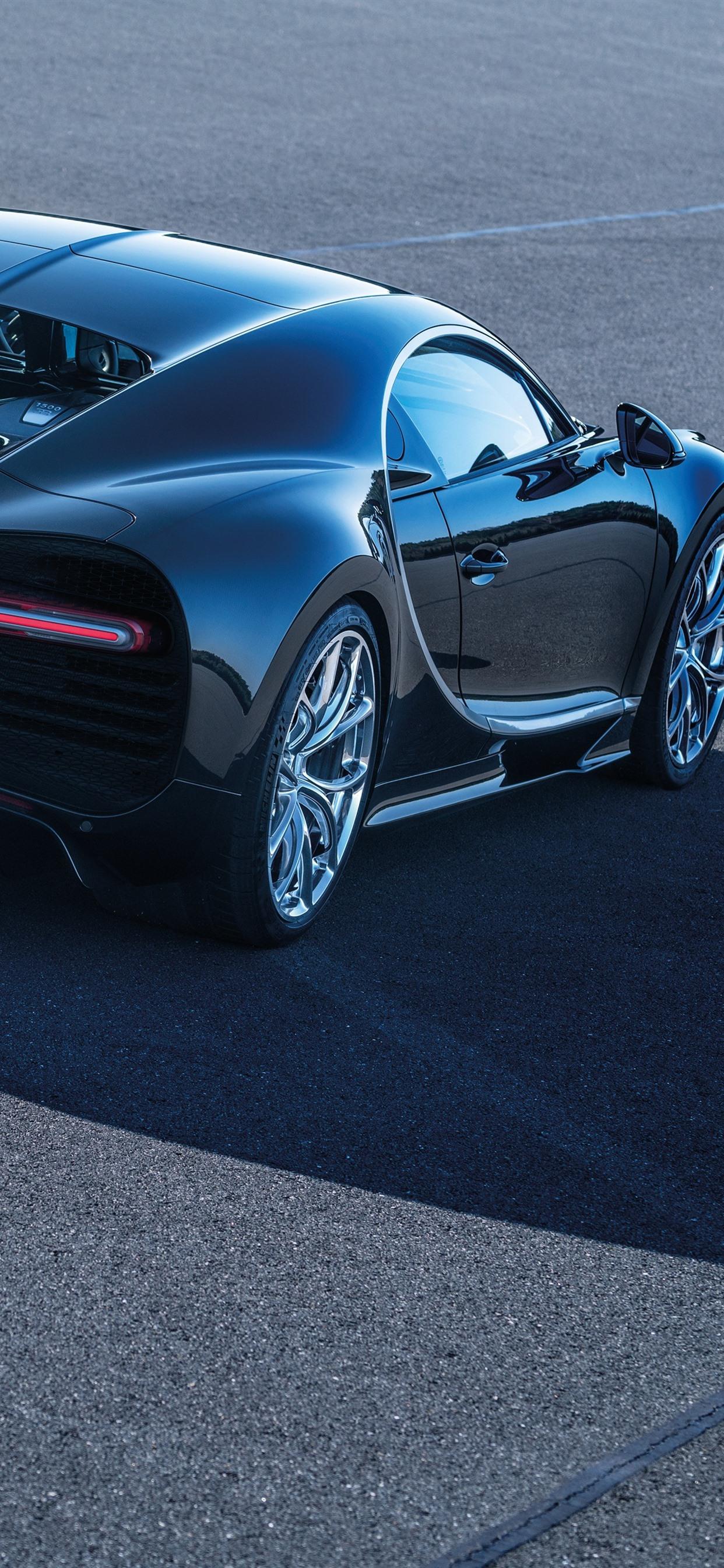 Iphone Wallpaper Bugatti Chiron Black Supercar Rear Bugatti Chiron Topsnelheid 1242x2688 Wallpaper Teahub Io