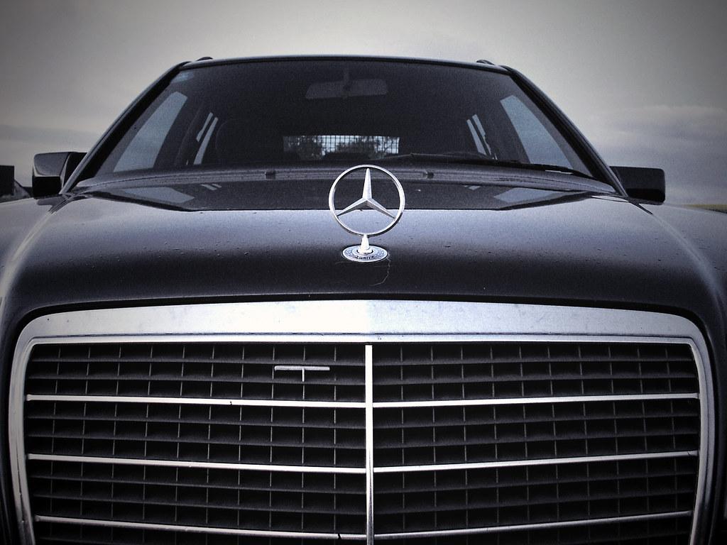 12+ Mercedes Benz 300E W124 Background Wallpaper  Pics