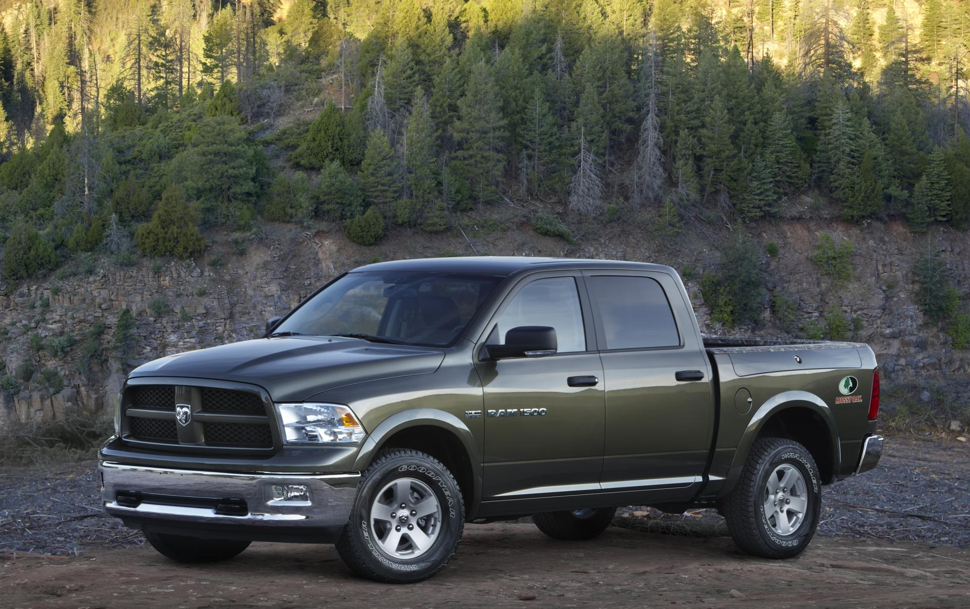 2012 Ram Mossy Oak Edition Pictures And Wallpaper - Dodge Ram Olive Green Truck - HD Wallpaper