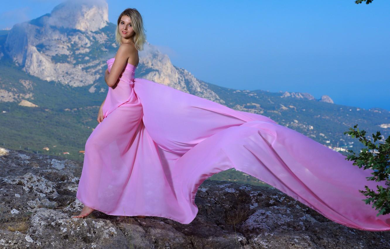 Photo Wallpaper Girl, Dress, Landscape, Brown Eyes, - Laspi Bay - HD Wallpaper
