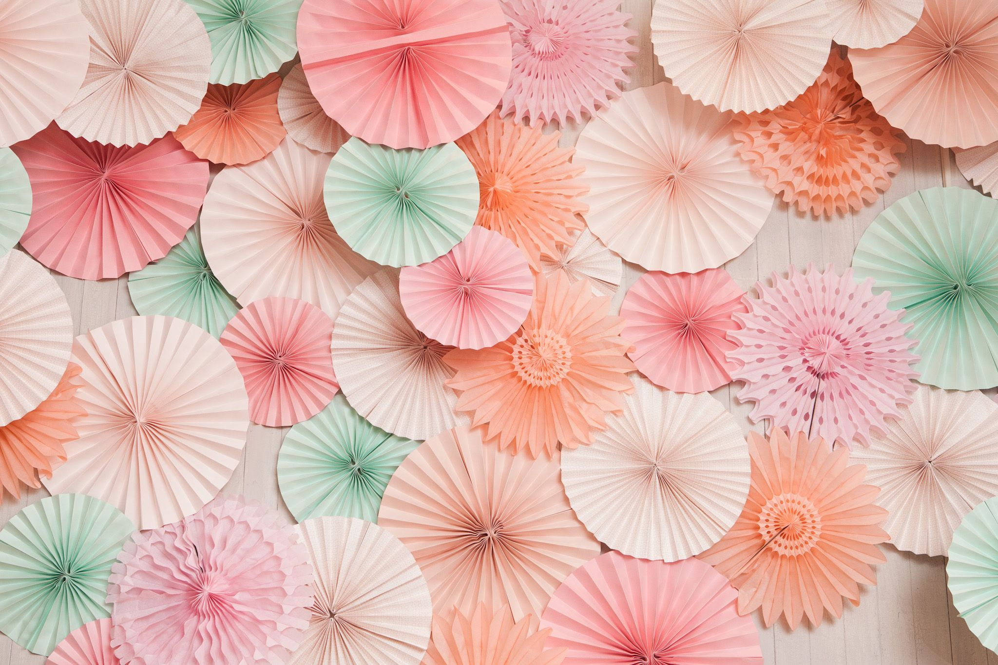 Mint And Coral Colored Paper Art Wallpaper - Coral Color Wallpaper Hd - HD Wallpaper